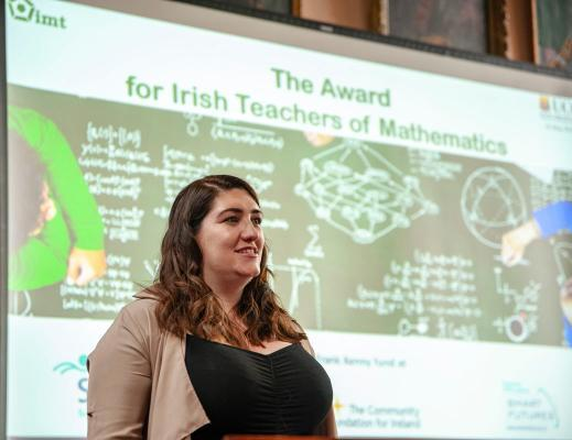 Sarah Tallon speaking in Aula Maxima UCC on 26 May 2019 winner IMT award